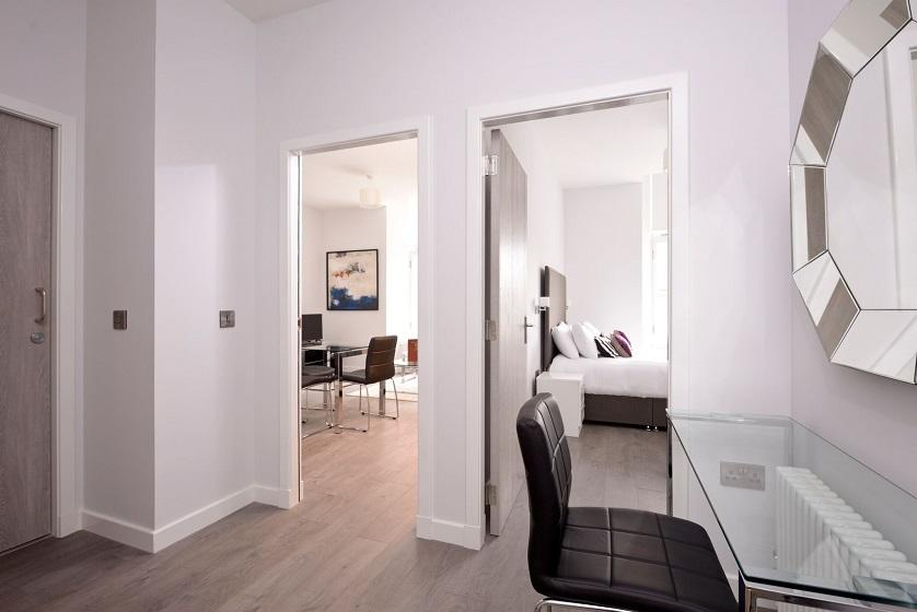 Cheap-Accommodation-Glasgow---Glassford-Street-Apartments-Near-Royal-Concert-Hall---Urban-Stay-4