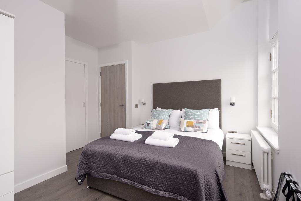Cheap-Accommodation-Glasgow---Glassford-Street-Apartments-Near-Royal-Concert-Hall---Urban-Stay-5