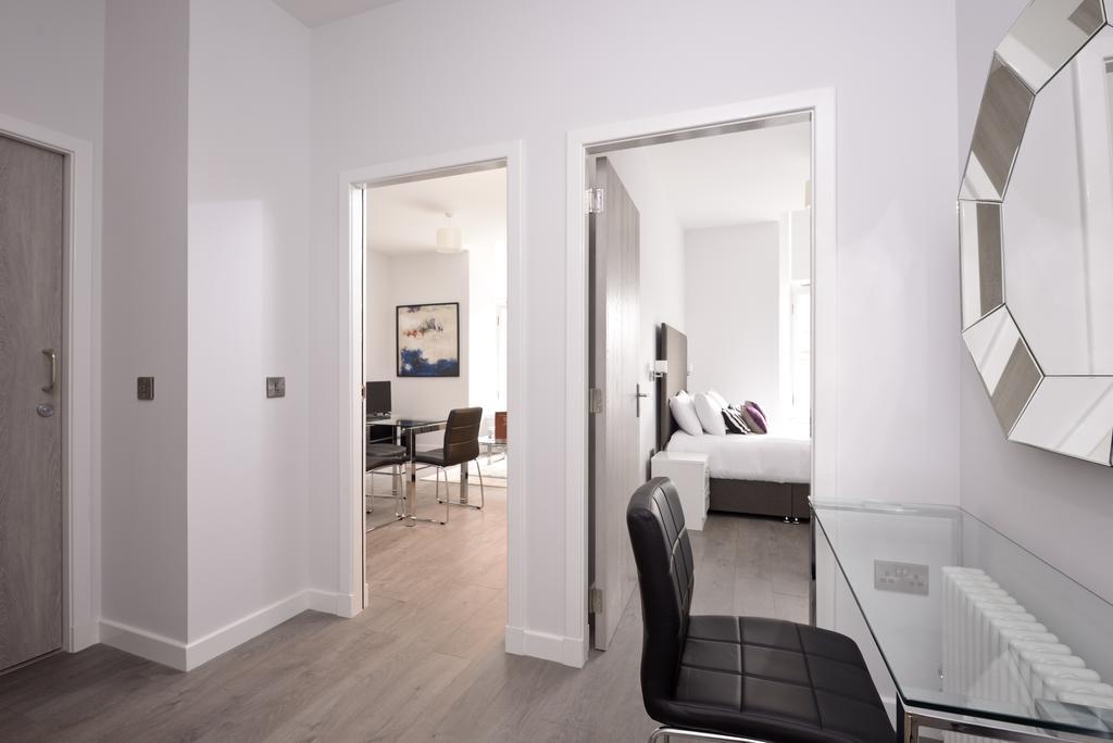 Cheap-Accommodation-Glasgow---Glassford-Street-Apartments-Near-Royal-Concert-Hall---Urban-Stay-9