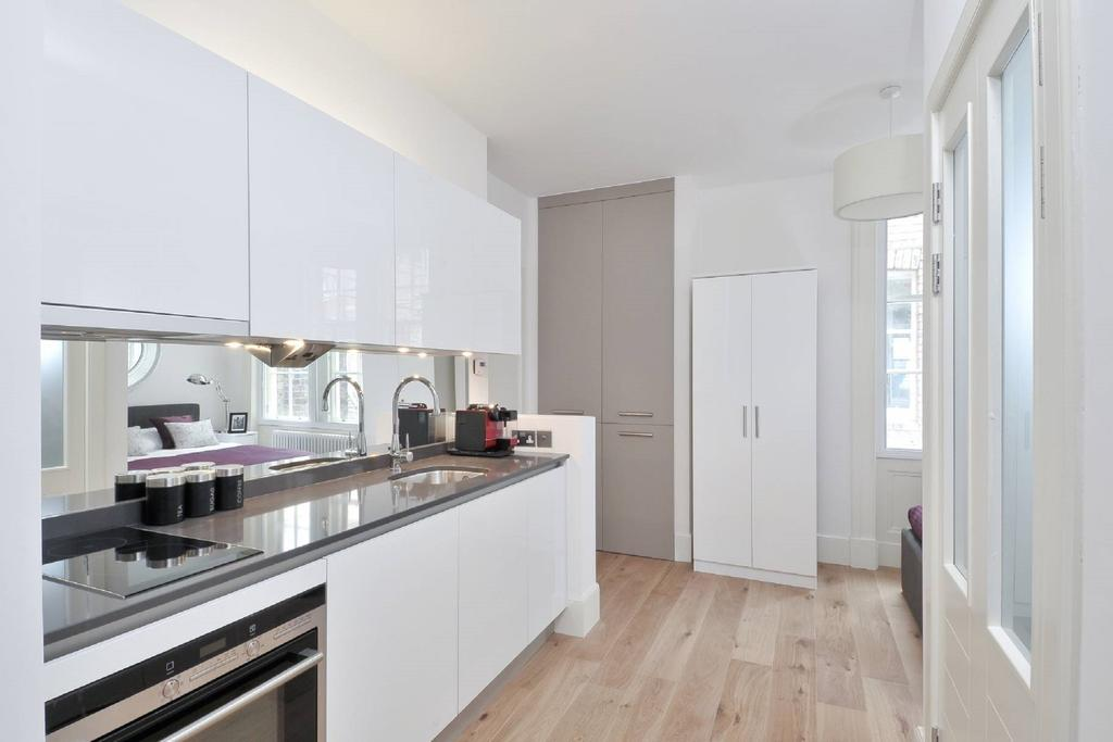 Cheap-Apartments-Edinburgh---Andrews-Square-Apartments-Near-Waverley-Railway-Station-Urban-Stay-11