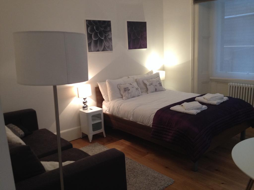 Cheap-Apartments-Edinburgh---Andrews-Square-Apartments-Near-Waverley-Railway-Station-Urban-Stay-22