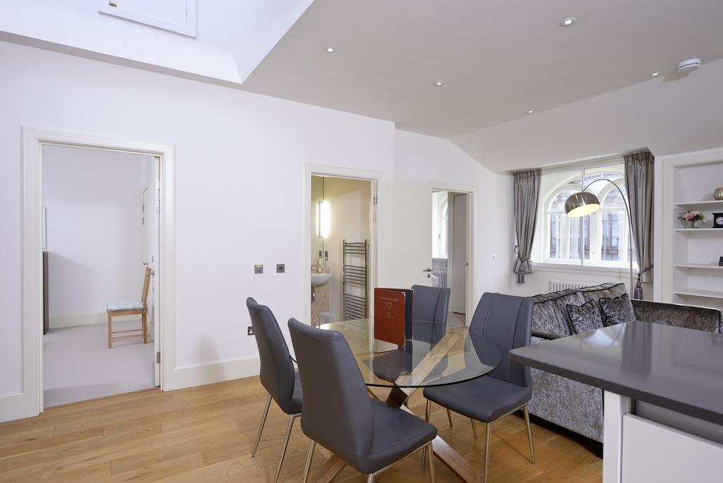 Cheap-Apartments-Edinburgh---Andrews-Square-Apartments-Near-Waverley-Railway-Station-Urban-Stay-6