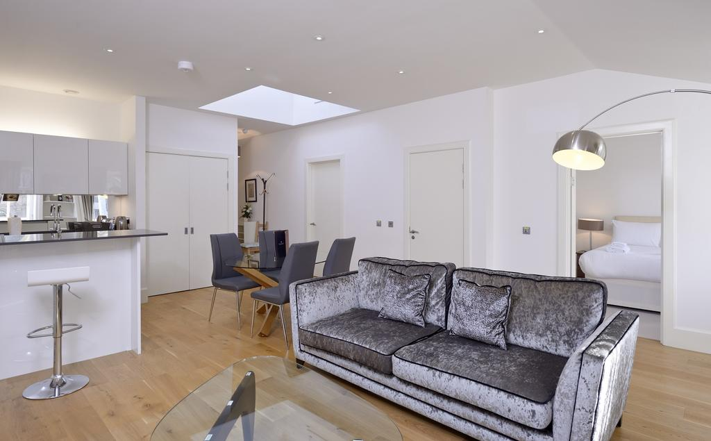 Cheap-Apartments-Edinburgh---Andrews-Square-Apartments-Near-Waverley-Railway-Station-Urban-Stay-8