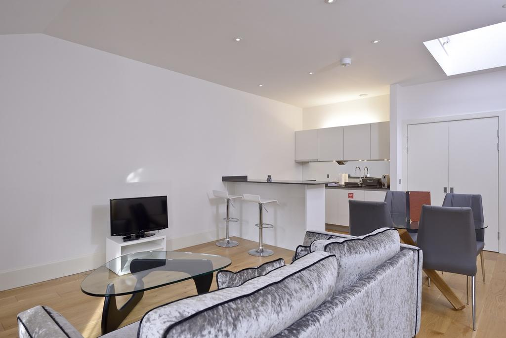 Cheap-Apartments-Edinburgh---Andrews-Square-Apartments-Near-Waverley-Railway-Station-Urban-Stay-9
