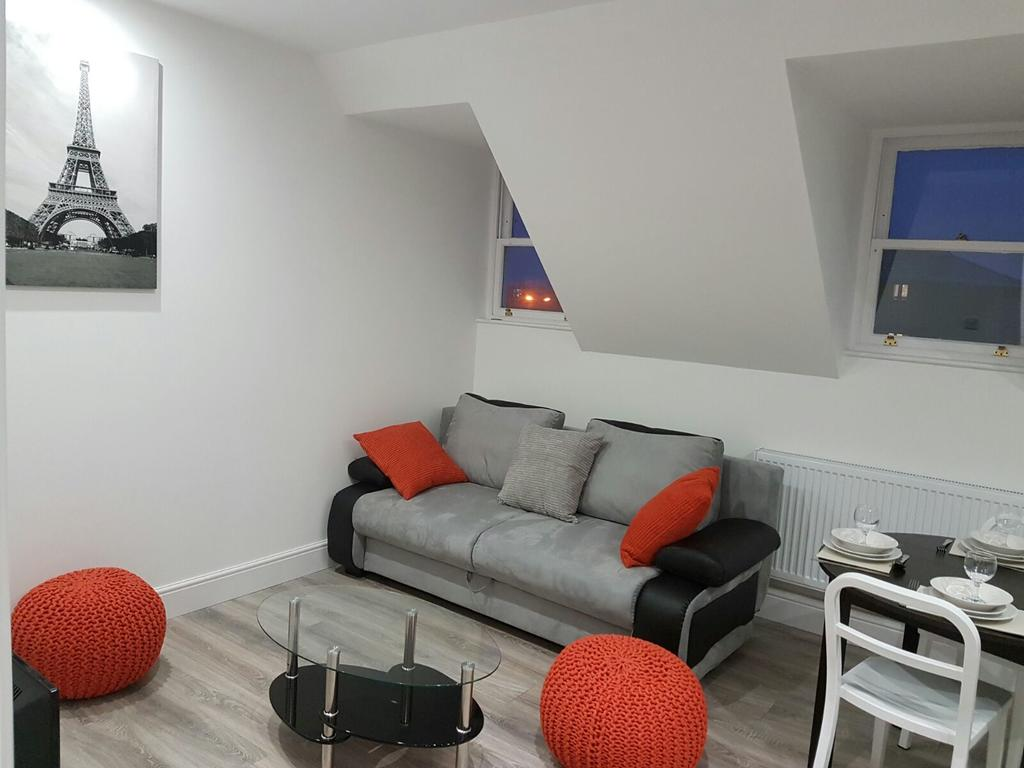Chelmsford-Serviced-Apartments---Broomfield-Apartments-Near-Chelmsford-Cathedral---Urban-Stay-20