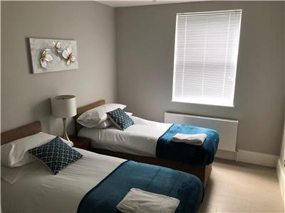Chelmsford-Serviced-Apartments---Broomfield-Apartments-Near-Chelmsford-Cathedral---Urban-Stay-5