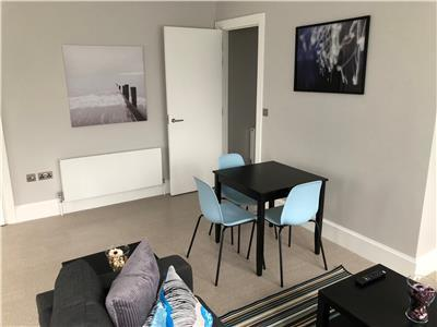 Chelmsford-Serviced-Apartments---Broomfield-Apartments-Near-Chelmsford-Cathedral---Urban-Stay-6