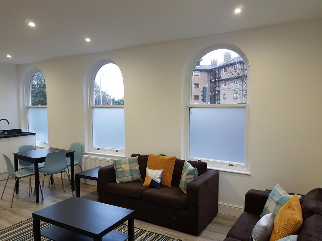 Chelmsford-Serviced-Apartments---Broomfield-Apartments-Near-Chelmsford-Cathedral---Urban-Stay-7