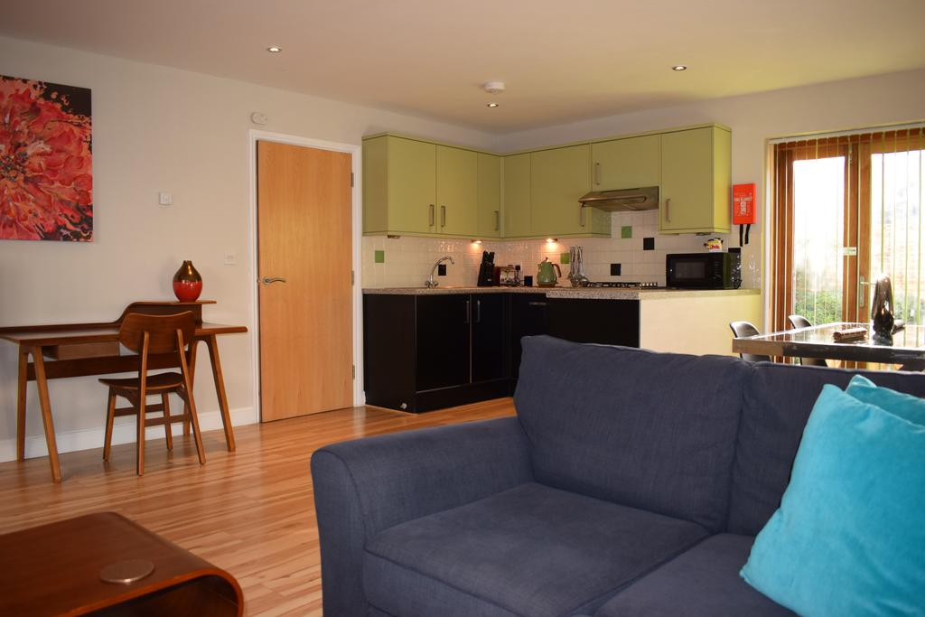 Corporate-Accommodation-Cambridge---Alpha-Apartments-Near-University-of-Cambridge-and-Kettle's-Yard---Urban-Stay-1