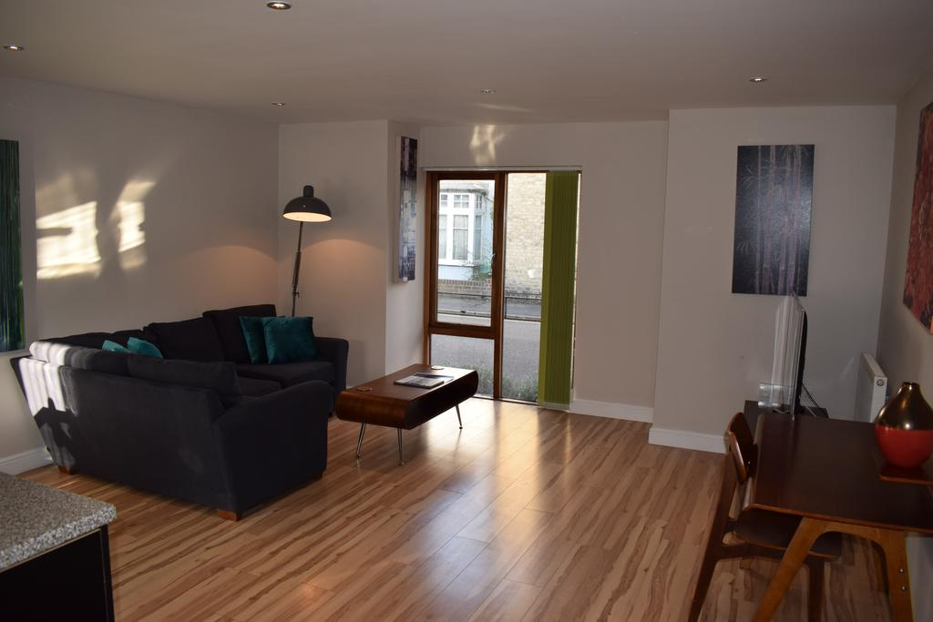 Corporate-Accommodation-Cambridge---Alpha-Apartments-Near-University-of-Cambridge-and-Kettle's-Yard---Urban-Stay-7
