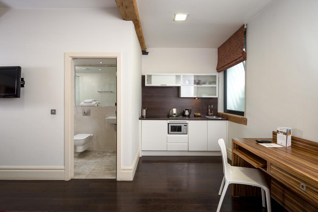 Corporate-Accommodation-Manchester---Manchester-City-Apartments-Near-Piccadilly-Gardens--Urban-Stay-16