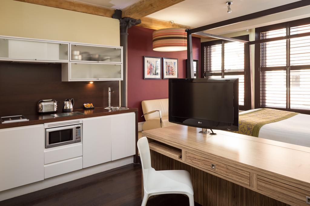 Corporate-Accommodation-Manchester---Manchester-City-Apartments-Near-Piccadilly-Gardens--Urban-Stay-2