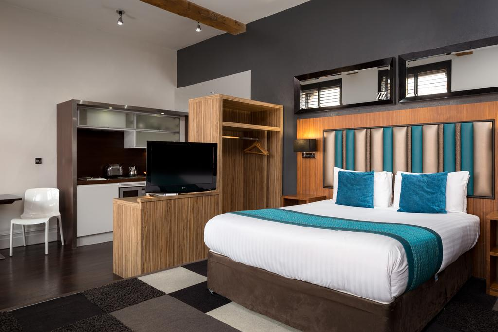 Corporate-Accommodation-Manchester---Manchester-City-Apartments-Near-Piccadilly-Gardens--Urban-Stay-7