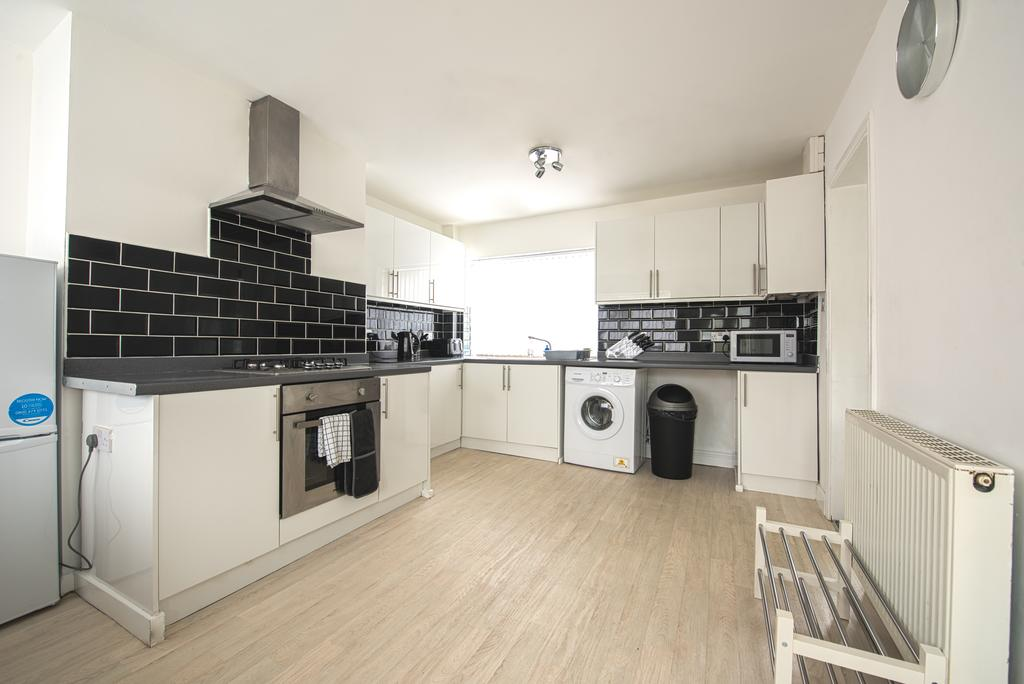 Corporate-Accommodation-in-Leeds---Haven-House-Apartments-Near-Middleton-Park---Urban-Stay-3