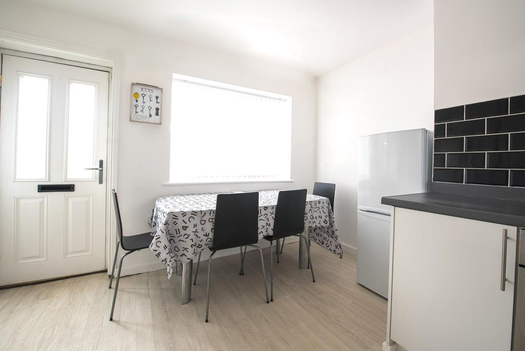 Corporate-Accommodation-in-Leeds---Haven-House-Apartments-Near-Middleton-Park---Urban-Stay-7
