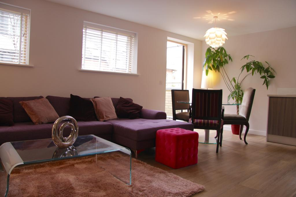 Corporate-Apartments-Cambridge---Florian-House-Apartments-Near-Cambridge-University-and-Technology-Museum---Urban-Stay-1