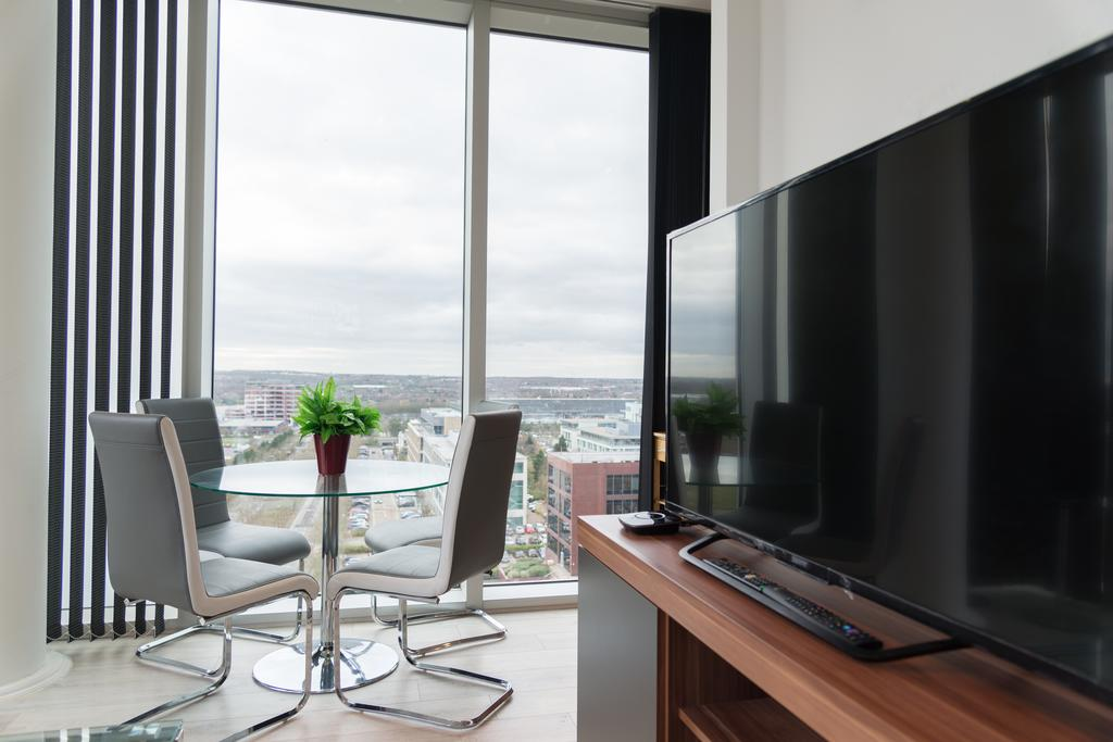 Corporate-Apartments-Milton-Keynes---Brooklyn-House-Apartments-Near-The-Centre-MK---Urban-Stay-1