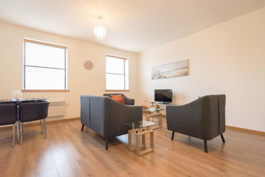 Corporate-Apartments-Swindon---The-Quadrant-Apartments-Near-Swindon-Designer-Outlet---Urban-Stay-13