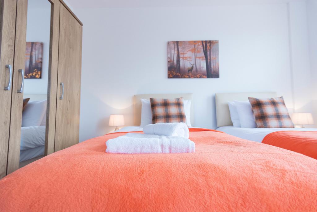 Corporate-Apartments-Swindon---The-Quadrant-Apartments-Near-Swindon-Designer-Outlet---Urban-Stay-17