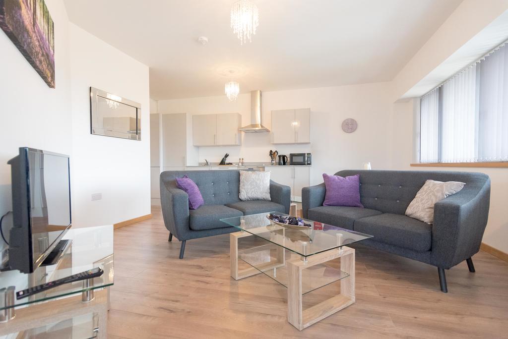 Corporate-Apartments-Swindon---The-Quadrant-Apartments-Near-Swindon-Designer-Outlet---Urban-Stay-23