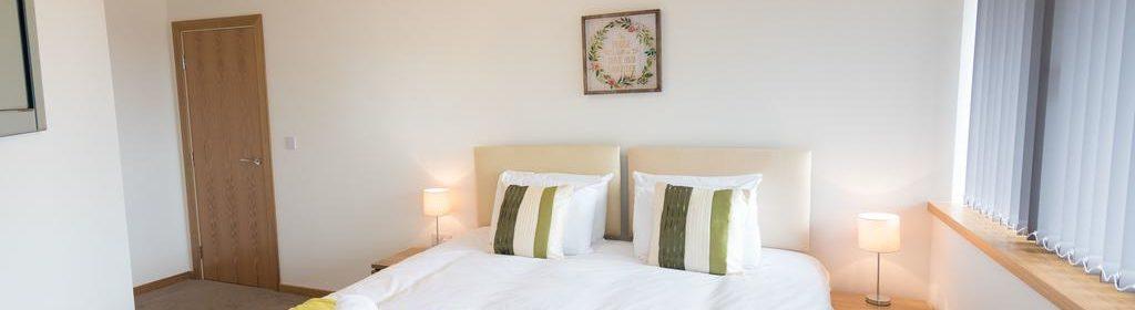 Corporate Apartments Swindon - The Quadrant Apartments Near Swindon Designer Outlet - Urban Stay 24