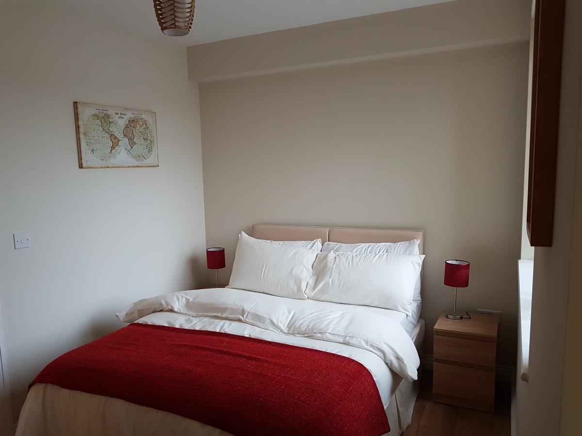 Corporate-Apartments-West-Drayton,-UK-Available-Now-I-Book-Albany-House-Apartments-in-West-Drayton-I-Featuring-SKY-Channels,-Free-Wi-Fi-and-Housekeeping
