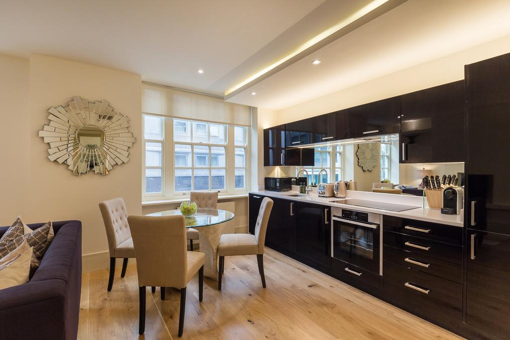 Corporate-Apartments-in-Marylebone---Portland-Street-Apartments---Central-London---Urban-Stay-1