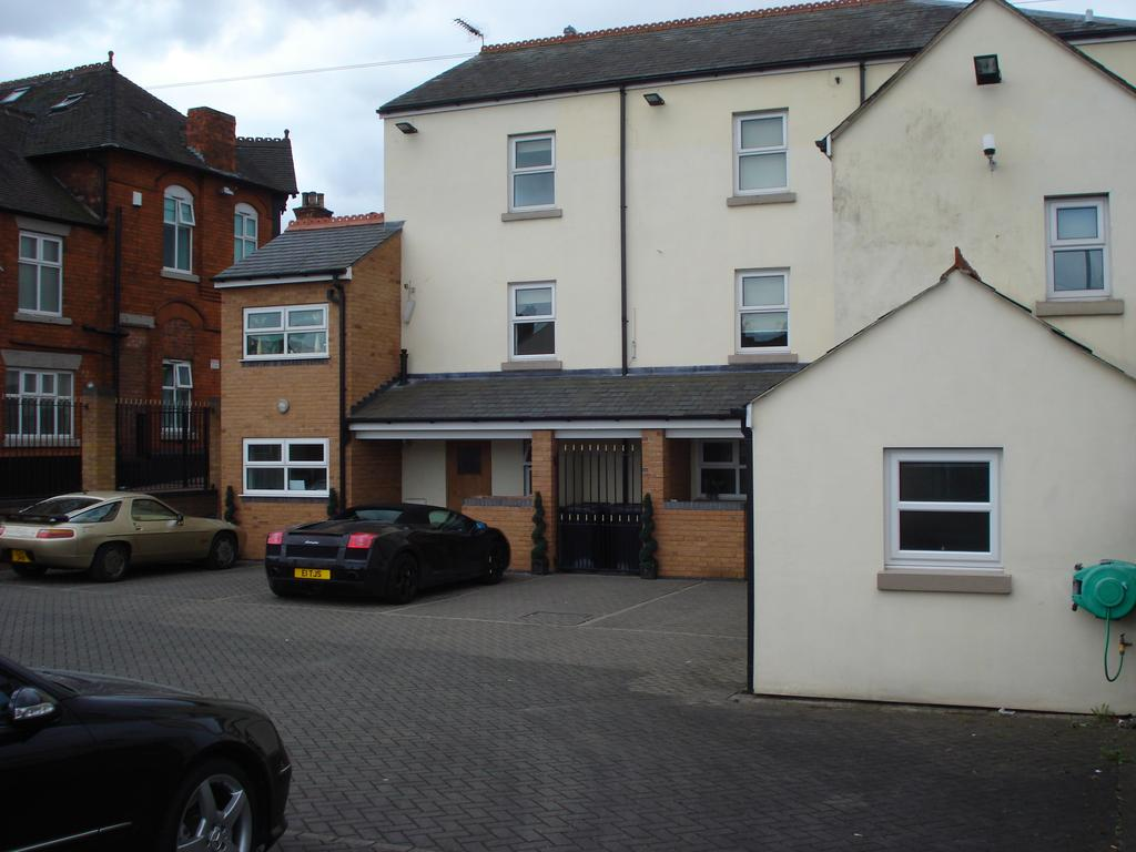 Crewe-Serviced-Apartments---Earle-Street-Apartments-Near-Grand-Junction-Retail-Park---Urban-Stay-11