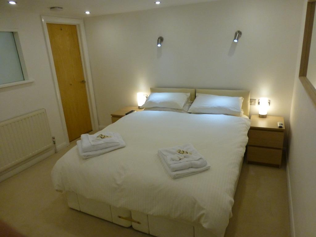 Crewe-Serviced-Apartments---Earle-Street-Apartments-Near-Grand-Junction-Retail-Park---Urban-Stay-2