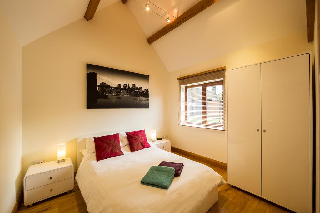 Didcot-Serviced-Apartments---Westbrook-Street-Apartments-Near-Didcot-Parkway-rail-station-Urban-Stay-11