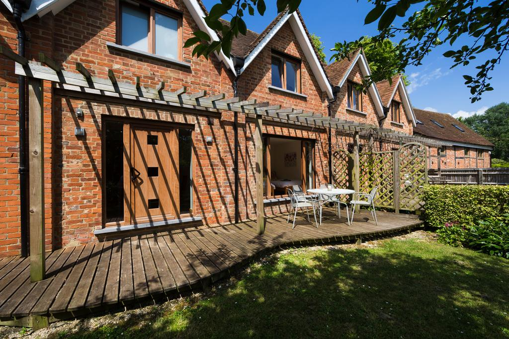 Didcot-Serviced-Apartments---Westbrook-Street-Apartments-Near-Didcot-Parkway-rail-station-Urban-Stay-12