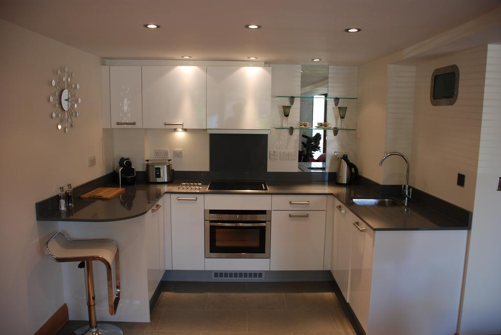 Didcot-Serviced-Apartments---Westbrook-Street-Apartments-Near-Didcot-Parkway-rail-station-Urban-Stay-13
