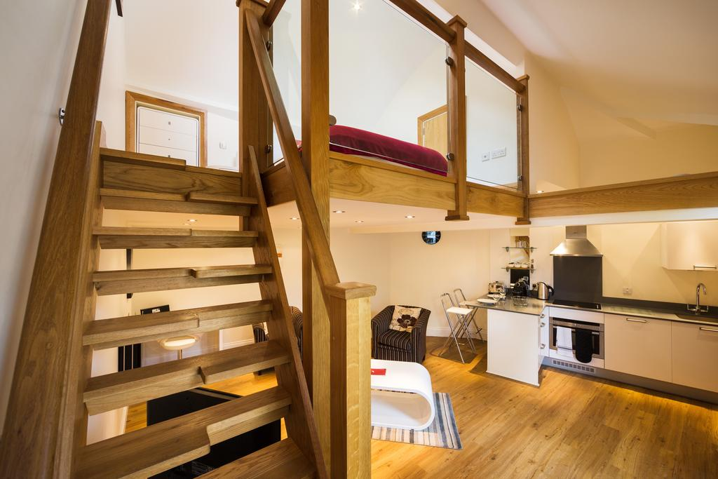 Didcot-Serviced-Apartments---Westbrook-Street-Apartments-Near-Didcot-Parkway-rail-station-Urban-Stay-15