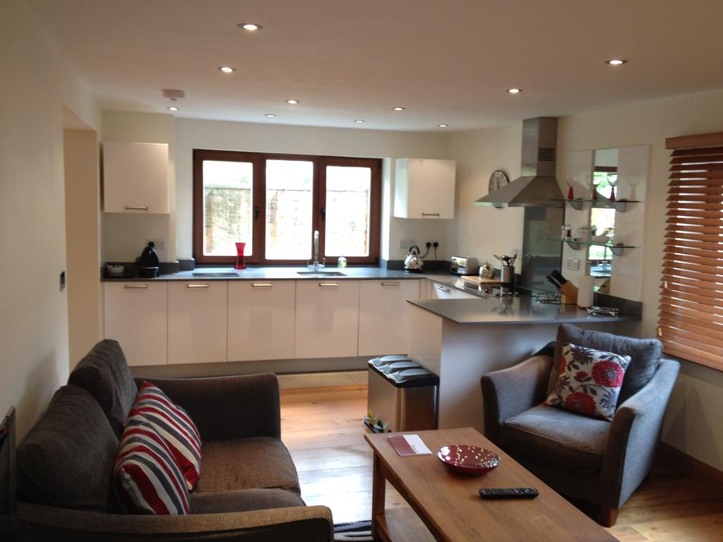Didcot-Serviced-Apartments---Westbrook-Street-Apartments-Near-Didcot-Parkway-rail-station-Urban-Stay-16