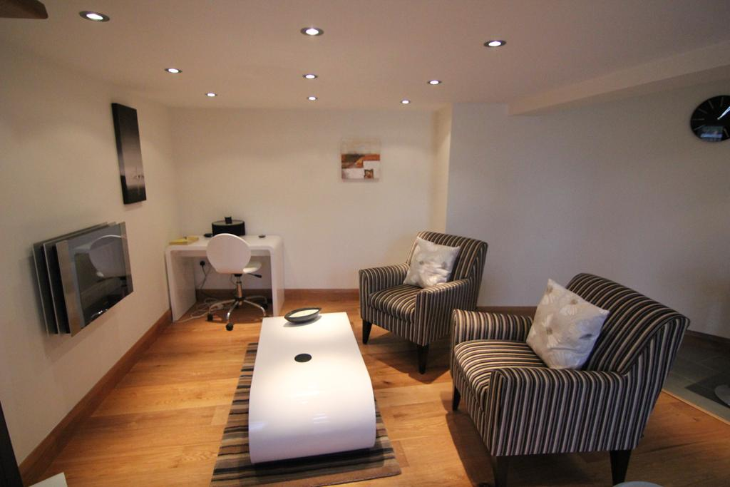 Didcot-Serviced-Apartments---Westbrook-Street-Apartments-Near-Didcot-Parkway-rail-station-Urban-Stay-18