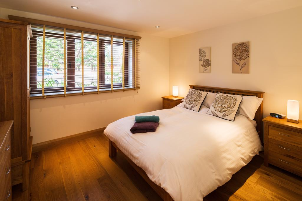 Didcot-Serviced-Apartments---Westbrook-Street-Apartments-Near-Didcot-Parkway-rail-station-Urban-Stay-19