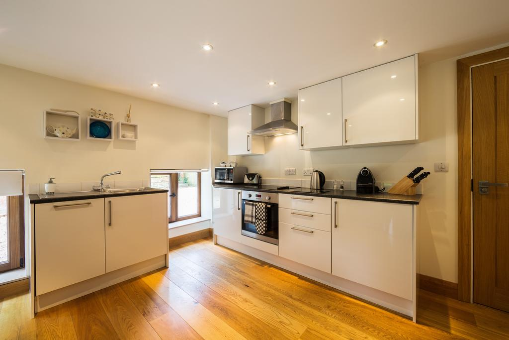 Didcot-Serviced-Apartments---Westbrook-Street-Apartments-Near-Didcot-Parkway-rail-station-Urban-Stay-6
