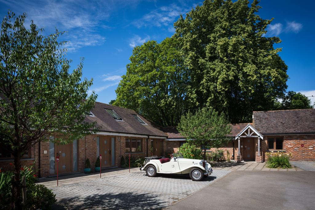 Didcot-Serviced-Apartments---Westbrook-Street-Apartments-Near-Didcot-Parkway-rail-station-Urban-Stay-7