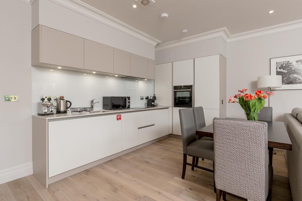 Edinburgh-Corporate-Apartments---Chisholm-Hunter-Apartments-Frederick-Street-Urban-Stay-11