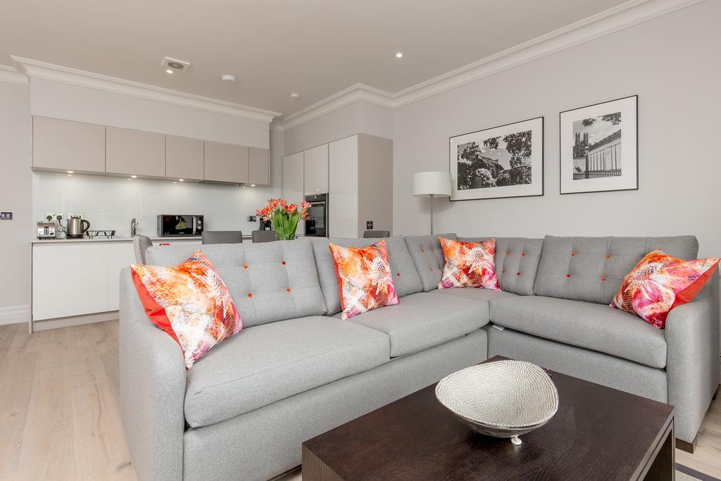 Edinburgh-Corporate-Apartments---Chisholm-Hunter-Apartments-Frederick-Street-Urban-Stay-13