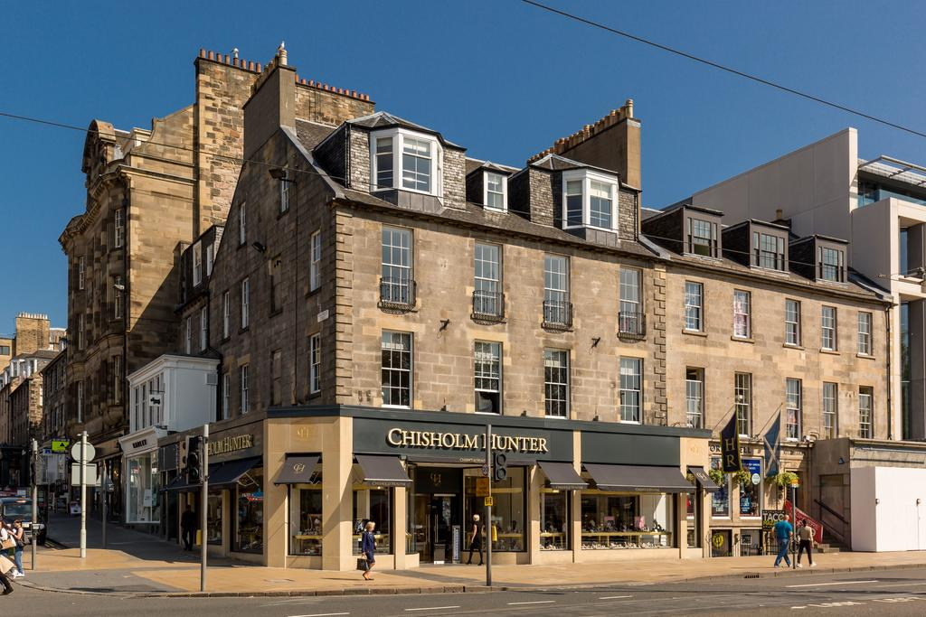 Edinburgh-Corporate-Apartments---Chisholm-Hunter-Apartments-Frederick-Street-Urban-Stay-14