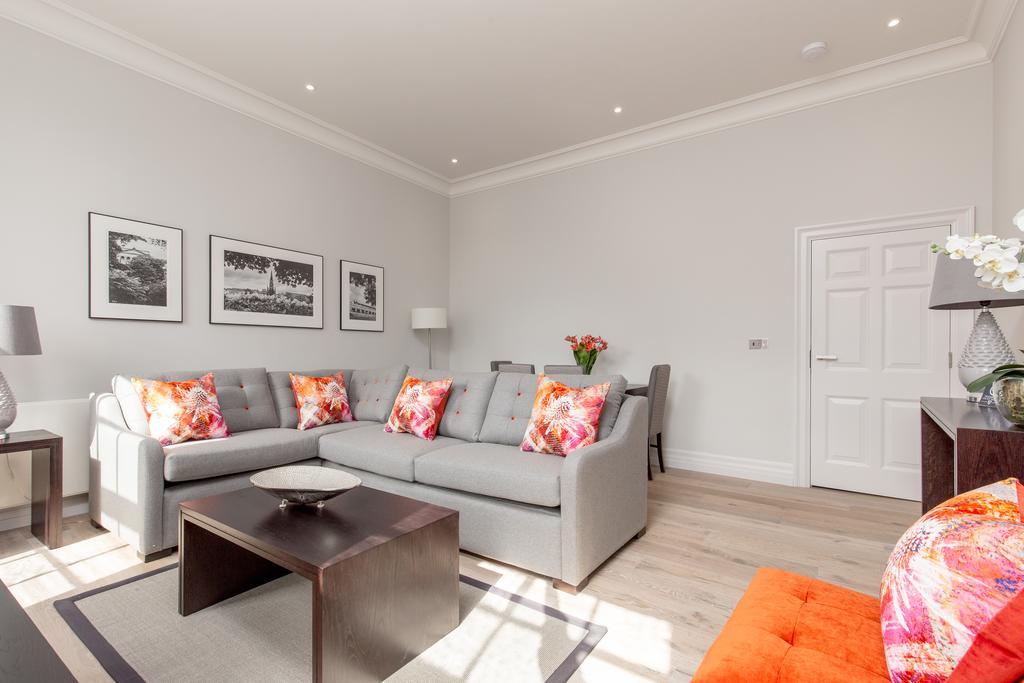 Edinburgh-Corporate-Apartments---Chisholm-Hunter-Apartments-Frederick-Street-Urban-Stay-16