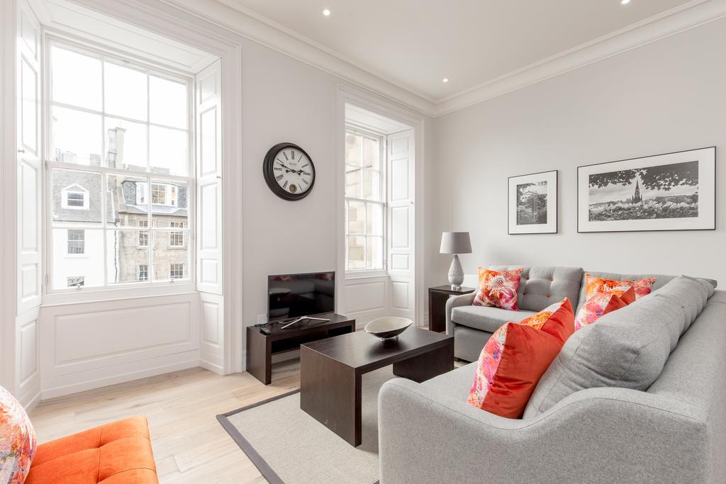 Edinburgh-Corporate-Apartments---Chisholm-Hunter-Apartments-Frederick-Street-Urban-Stay-18