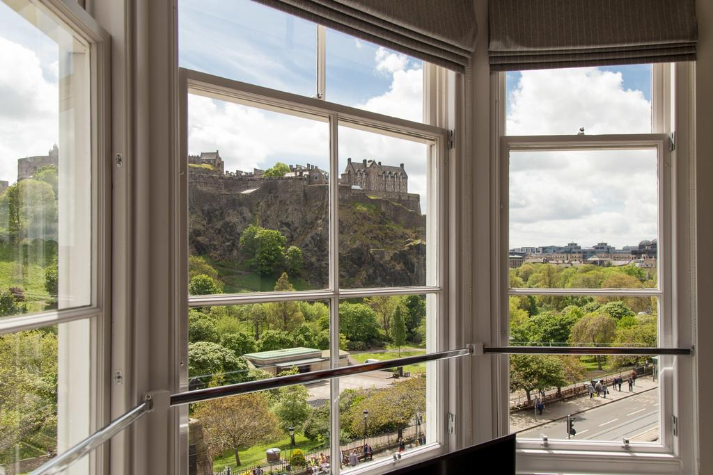 Edinburgh-Corporate-Apartments---Chisholm-Hunter-Apartments-Frederick-Street-Urban-Stay-2