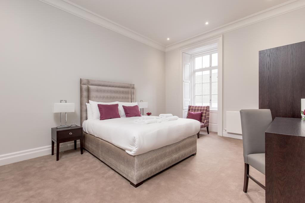 Edinburgh-Corporate-Apartments---Chisholm-Hunter-Apartments-Frederick-Street-Urban-Stay-3