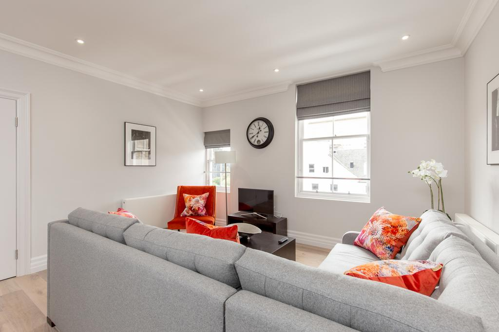 Edinburgh-Corporate-Apartments---Chisholm-Hunter-Apartments-Frederick-Street-Urban-Stay-4