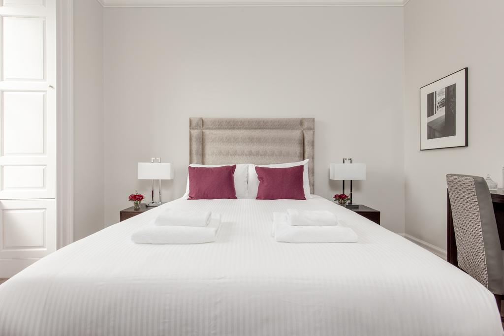 Edinburgh-Corporate-Apartments---Chisholm-Hunter-Apartments-Frederick-Street-Urban-Stay-7