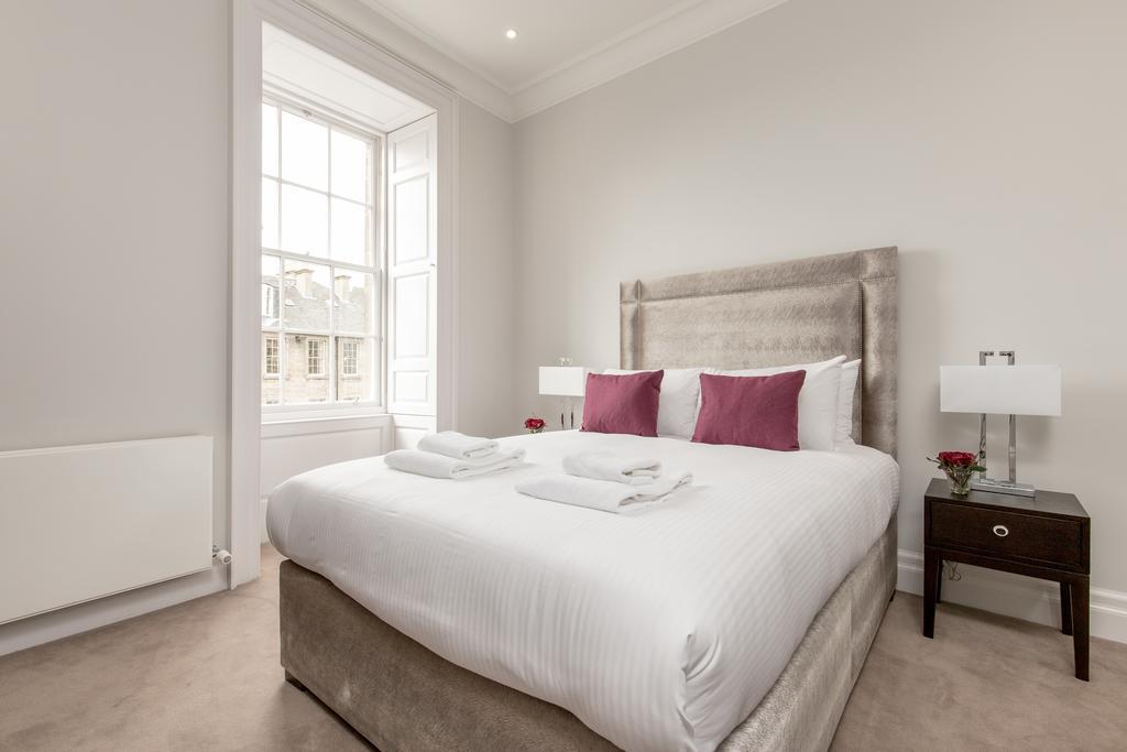 Edinburgh-Corporate-Apartments---Chisholm-Hunter-Apartments-Frederick-Street-Urban-Stay-8