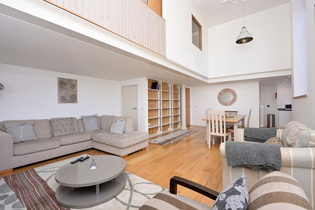 Edinburgh-Luxury-Accommodation---Broughton-Street-Apartments-Near-Omni-Centre---Urban-Stay-1