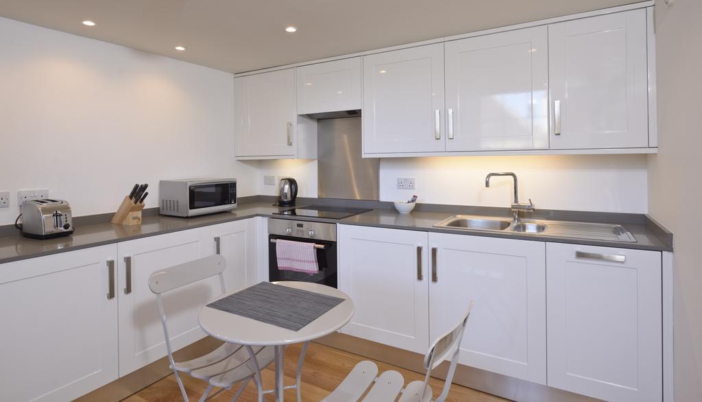 Edinburgh-Luxury-Accommodation---Broughton-Street-Apartments-Near-Omni-Centre---Urban-Stay-10